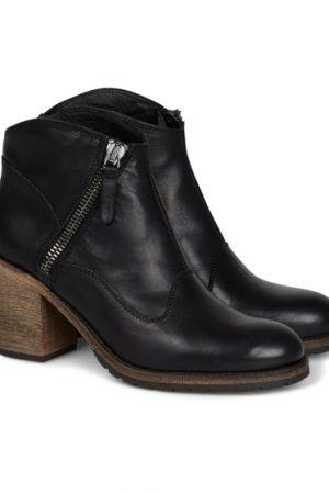 Belstaff Radcot Ladies Leather Biker Boots Black